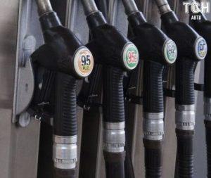Эксперт рассказал, как изменится цена на бензин и дизельное топливо в Украине